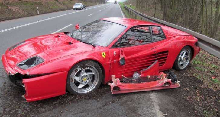 ferrari-f512m-crashed-to-save-hedgehog-44028-7