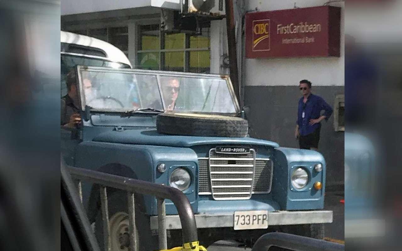 Новый автомобиль Джеймса Бонда: фермерский внедорожник— фото 972354
