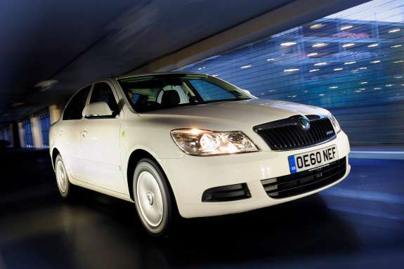 Skoda Octavia side-front view