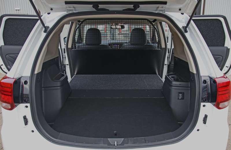 Mitsubishi Outlander получил дешевую двухместную версию