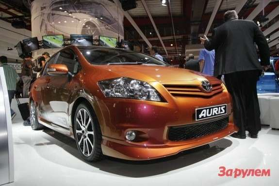 Toyota Auris TRD Supercharged side-front view 3