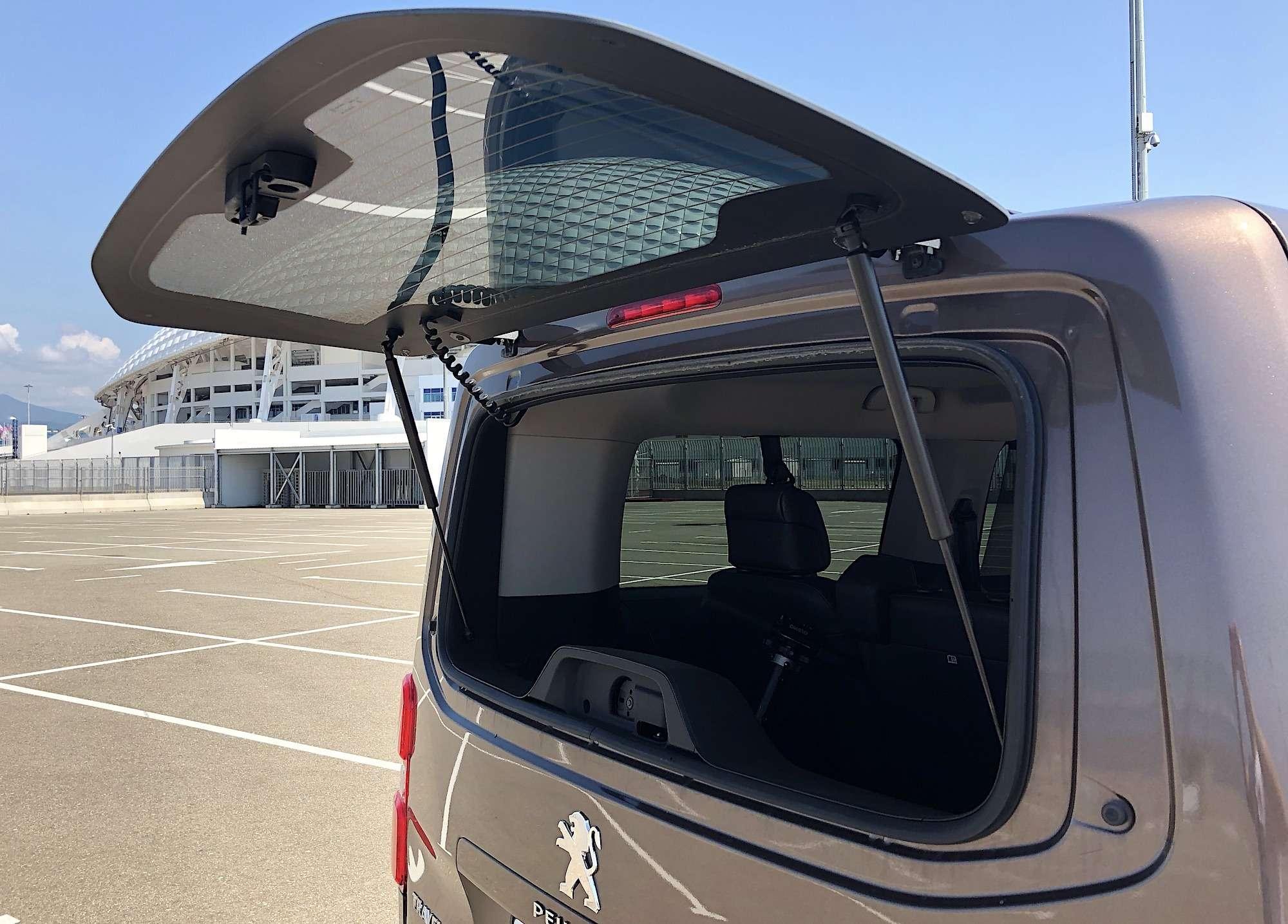 Peugeot Traveller VIP Business: сообразим насемерых?— фото 905206