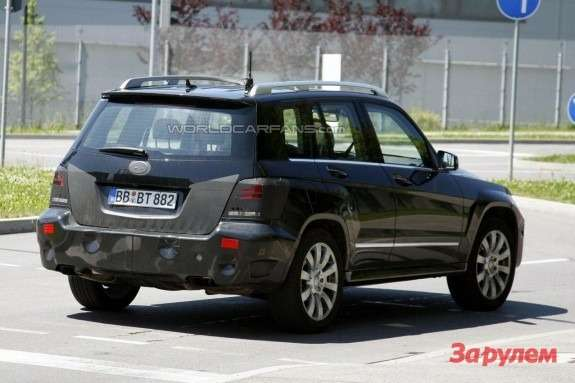 Restyled Mercedes-Benz GLK-class rear view