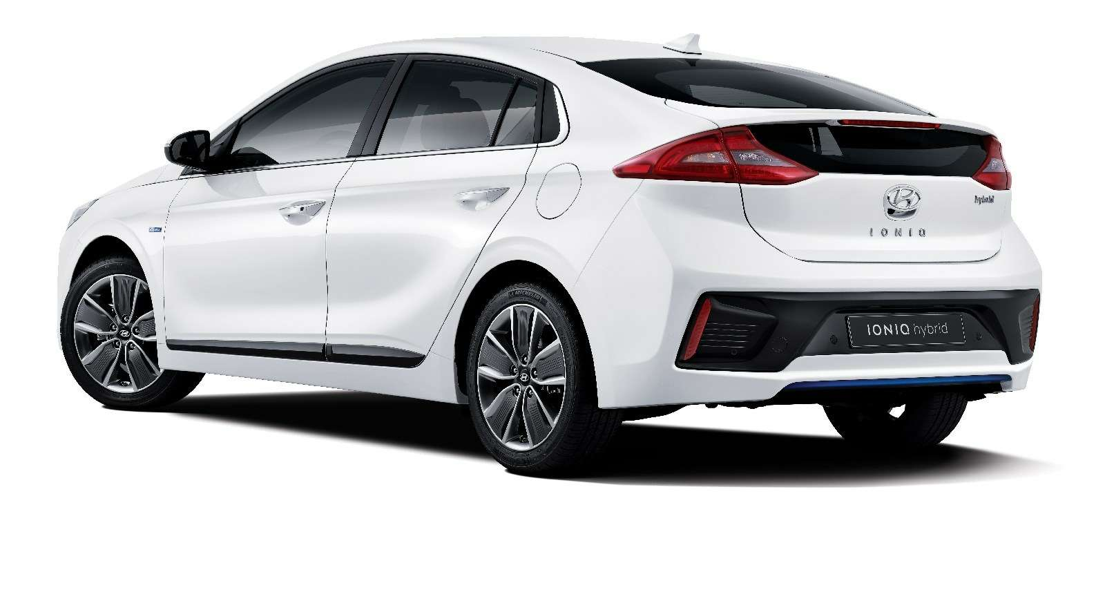 IONIQ A Leap Forward for Hybrid Vehicles_exterior