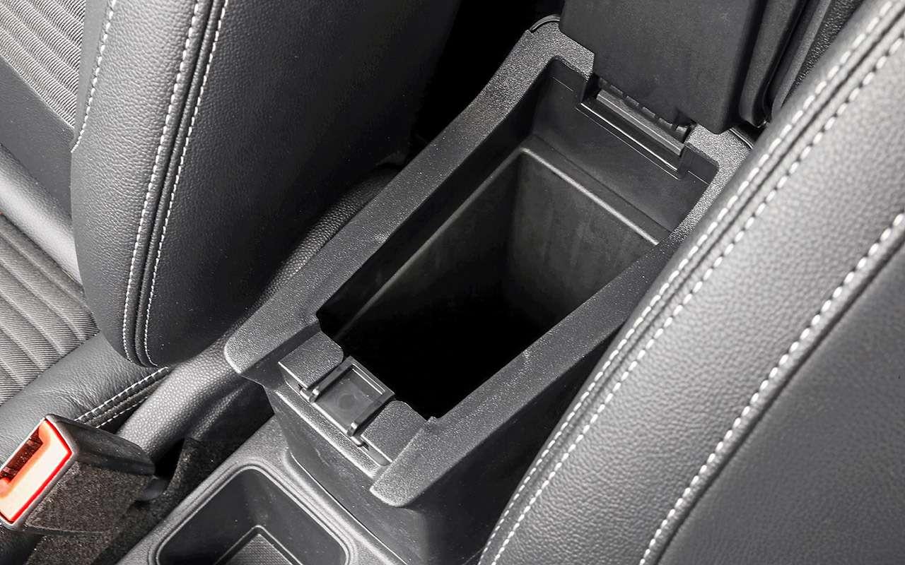 Большой тест кроссоверов: обновленный Ford EcoSport иконкуренты— фото 911185