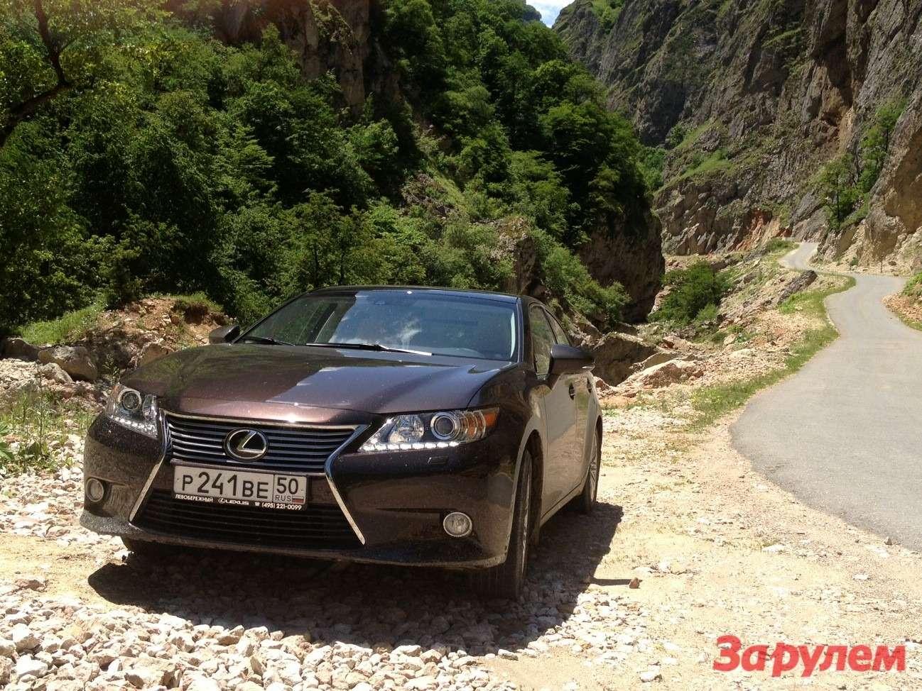 Lexus ES: перезагрузка впечатлений— фото 135061