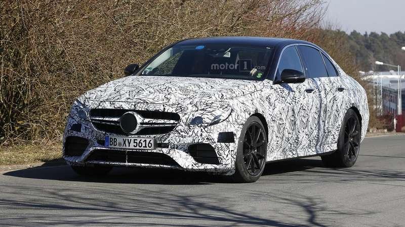 Ответ «фирматика»: Mercedes-AMG E63будет рыть землю четырьмя колесами
