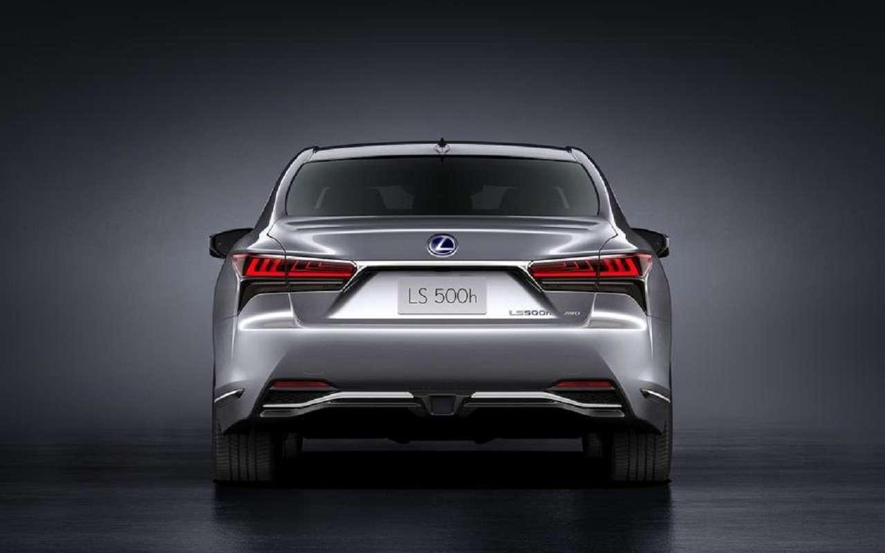 Lexus обновил флагманский седан LS— фото 1143876