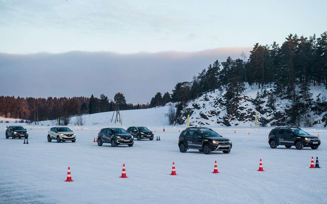 Карельский дрифт: кроссоверы Renault нальду Ладожского озера— фото 856375