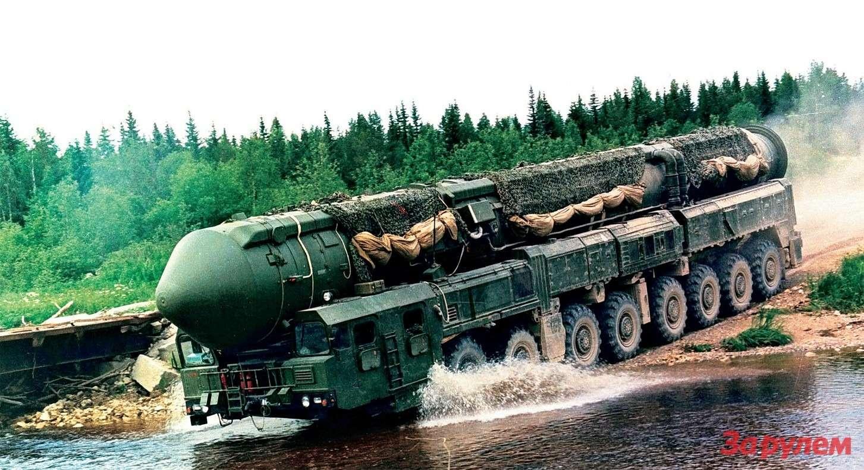 Подвижный ракетный комплекс «Тополь-М» нашасси МАЗ-79221 родился в1992 году.