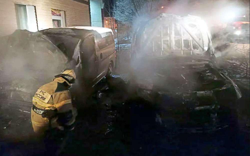 ВАмурской области сожгли машины двух депутатов