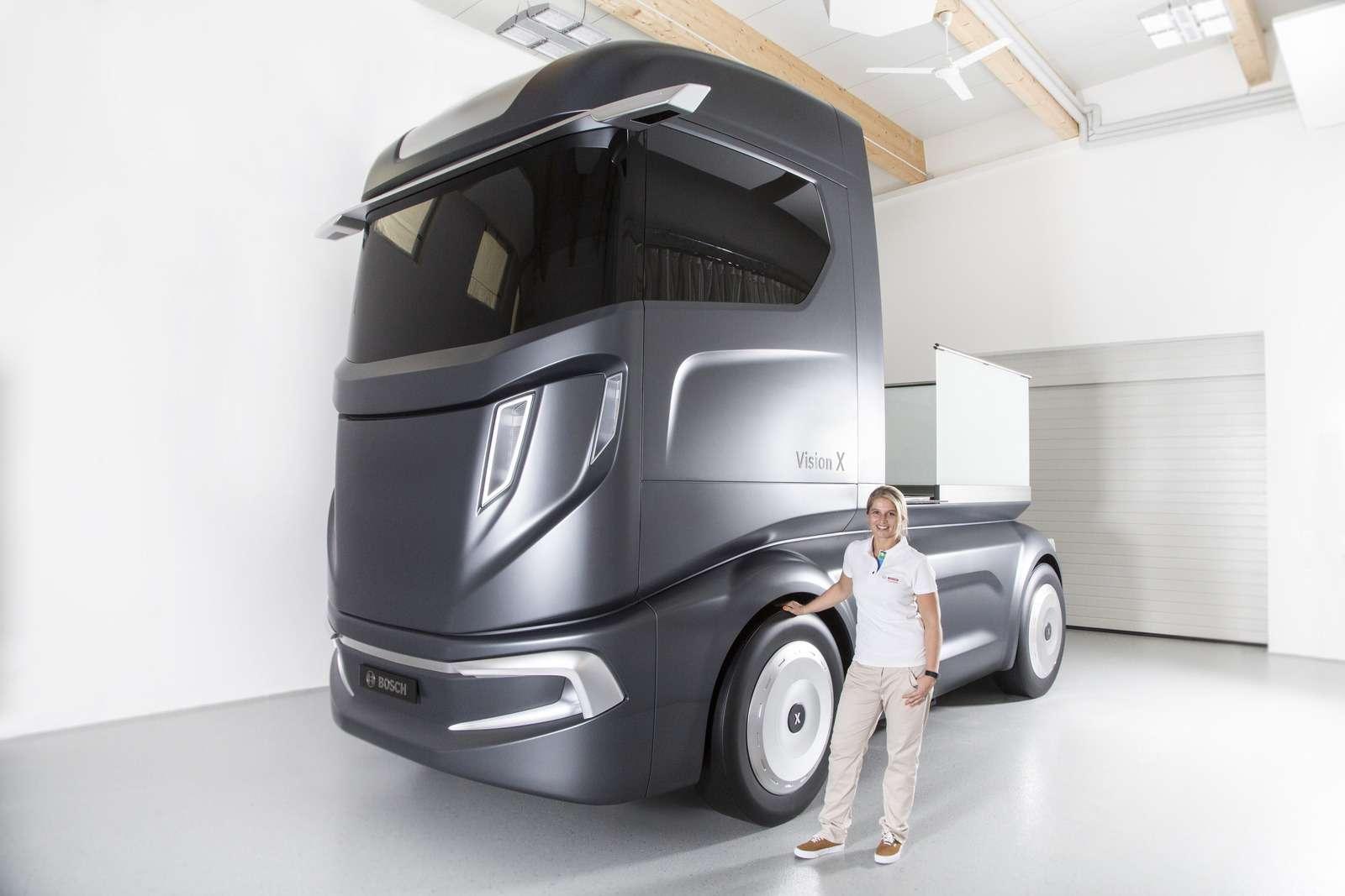 Концепт Bosch VisionX научили ходить встрою— фото 637805