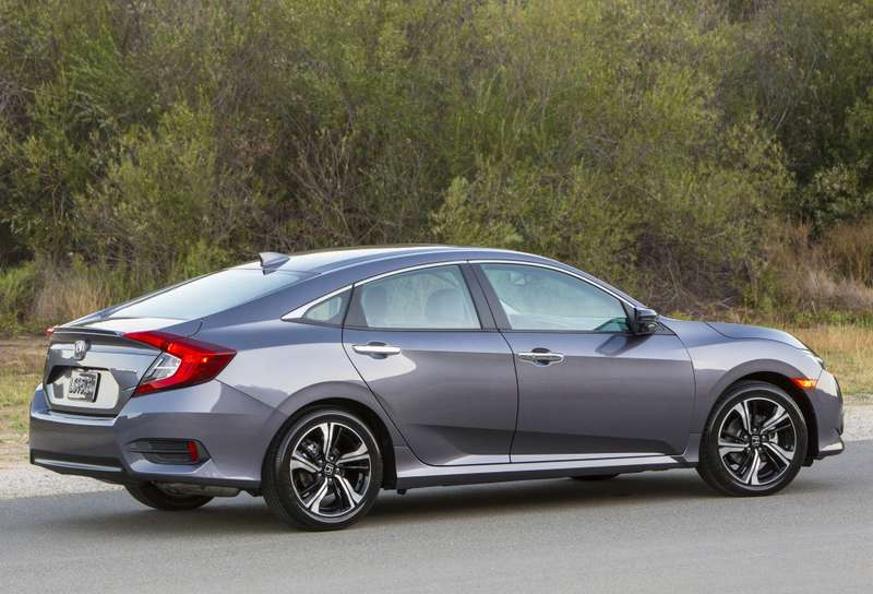 honda_civic_sedan_touring_24