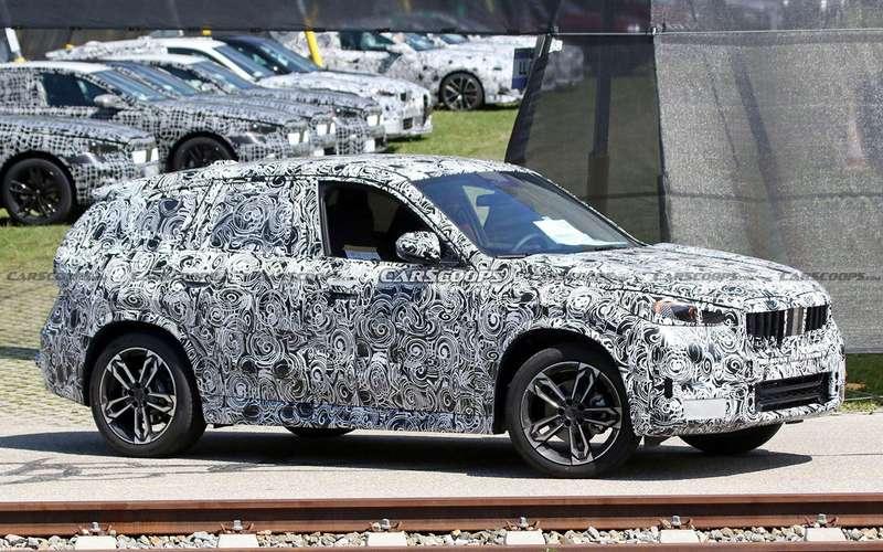 Натесты выехал обновленный BMW X1
