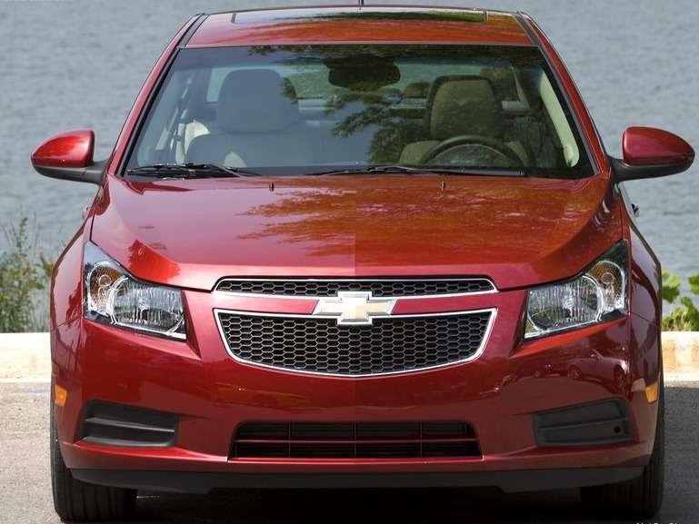 Chevrolet-Cruze_2011_02_no_copyright