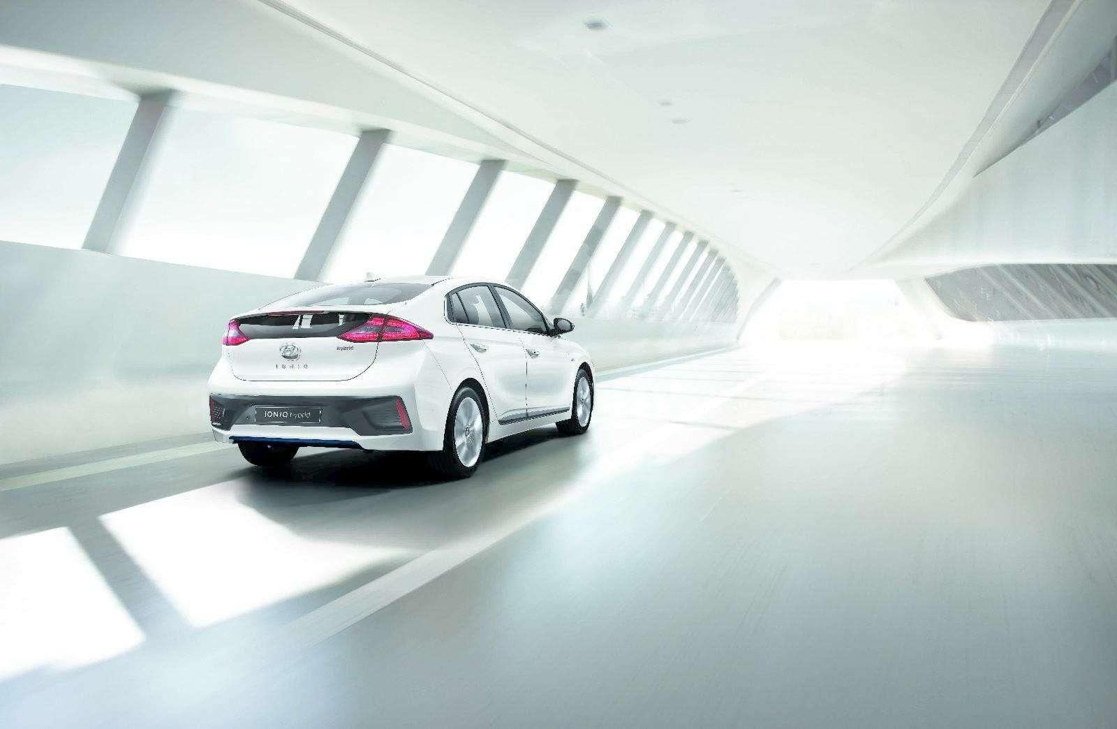 IONIQ ALeap Forward for Hybrid Vehicles_exterior2
