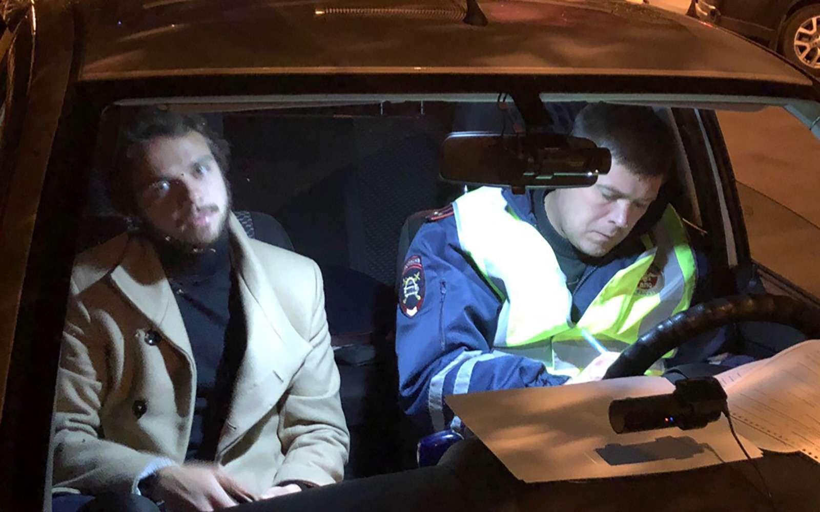 Активисты поймали пьяного футболиста зарулем исдали его вГИБДД— фото 913998
