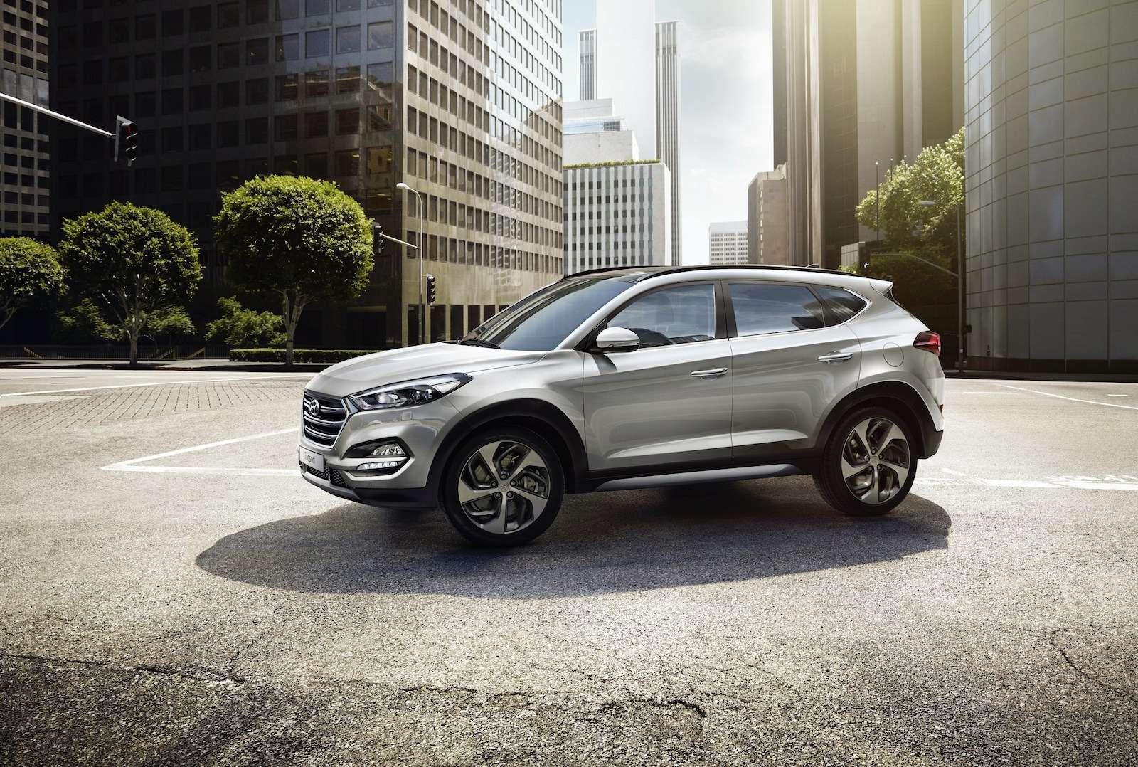 Hyundai Tucson или Santa Fe: на что потратить два миллиона рублей? — фото 601329