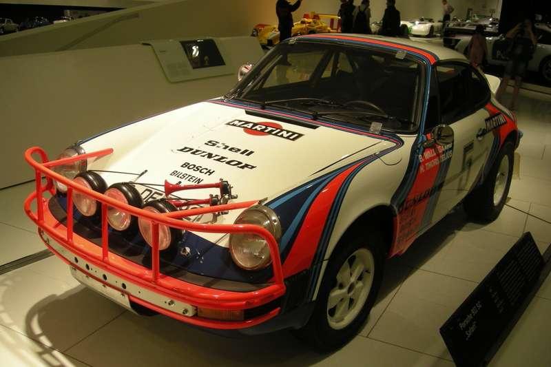Stuttgart_Jul_2012_51_(Porsche_Museum_-_1978_Porsche_911_SC_Safari)_no_copyright