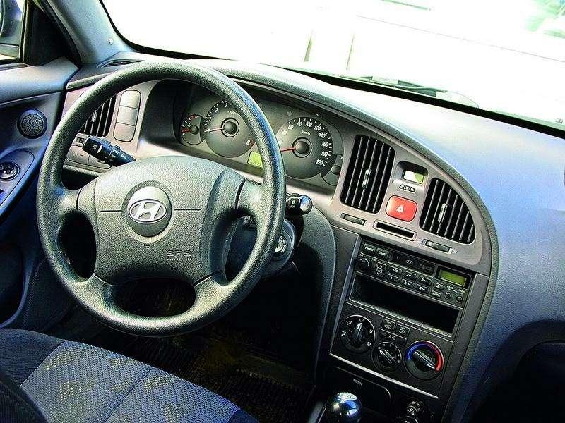 Hyundai Elantra (2000-2007, 2008-н.в.): Разумно идостаточно— фото 93309