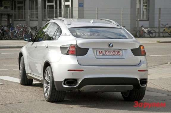 Facelifted BMW X6 rear view