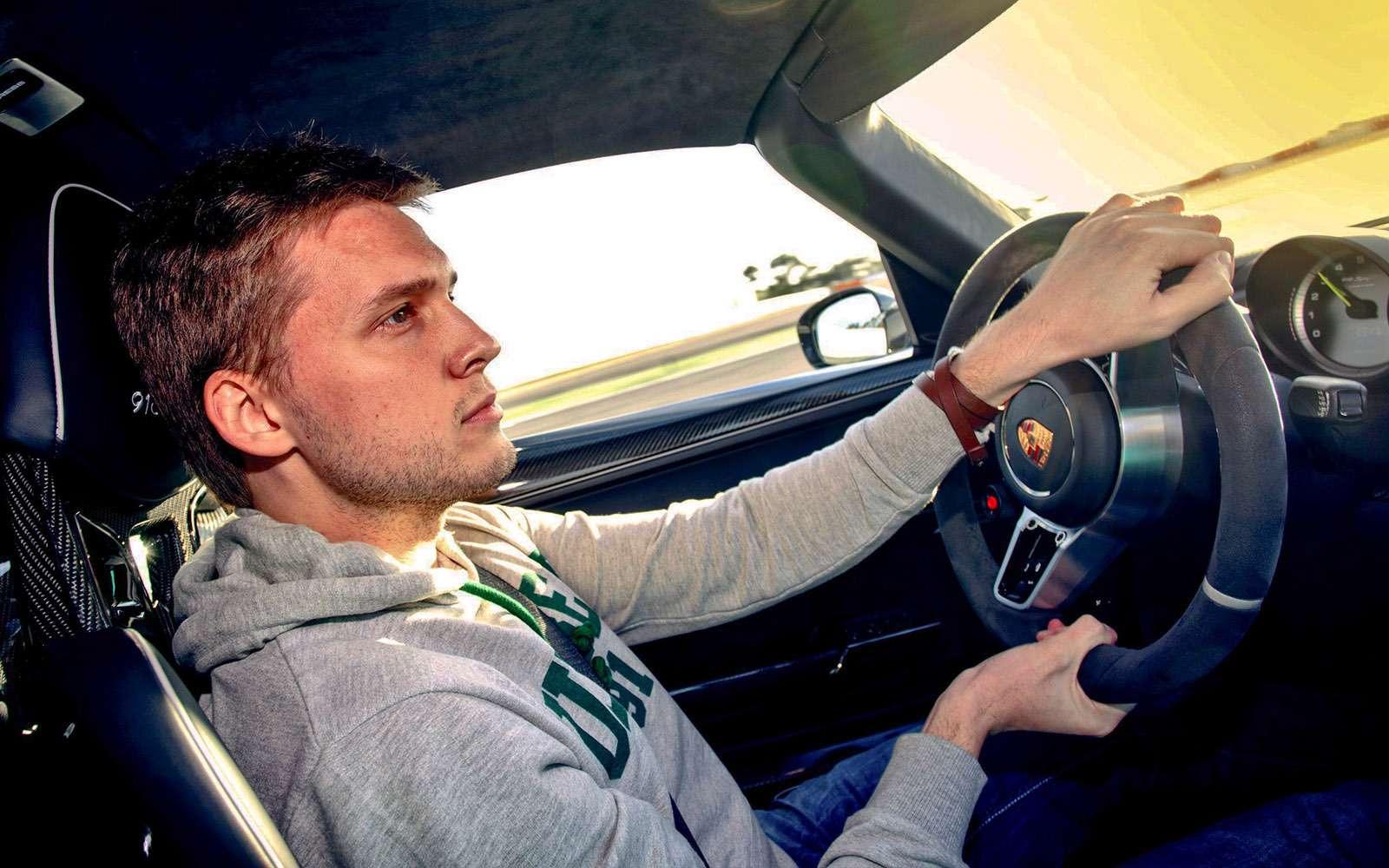 BMW5-й серии против конкурентов: кто напять?— фото 743853