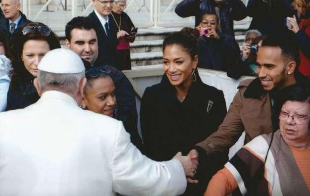 Льюис Хэмильтон встретился сПапой Римским Франциском