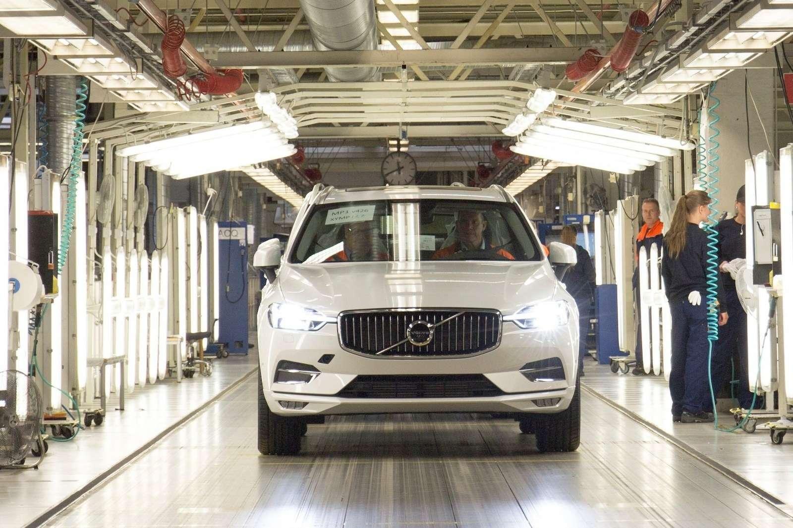 Volvo удивила ценником нановый XC60— фото 804974
