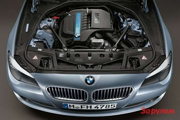 BMW 5 ActiveHybrid engine bay