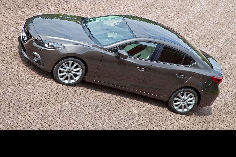 2014 Mazda3 Sedan 6[2] nocopyright (10)