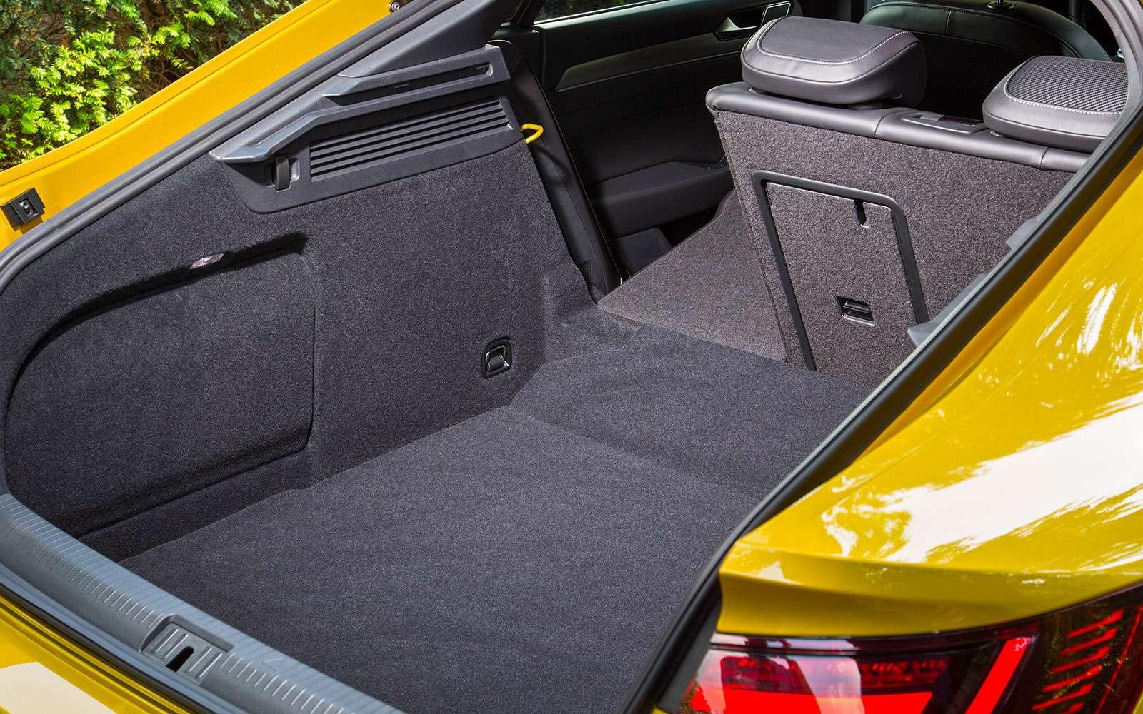 Volkswagen Arteon— первый тест-драйв— фото 768786