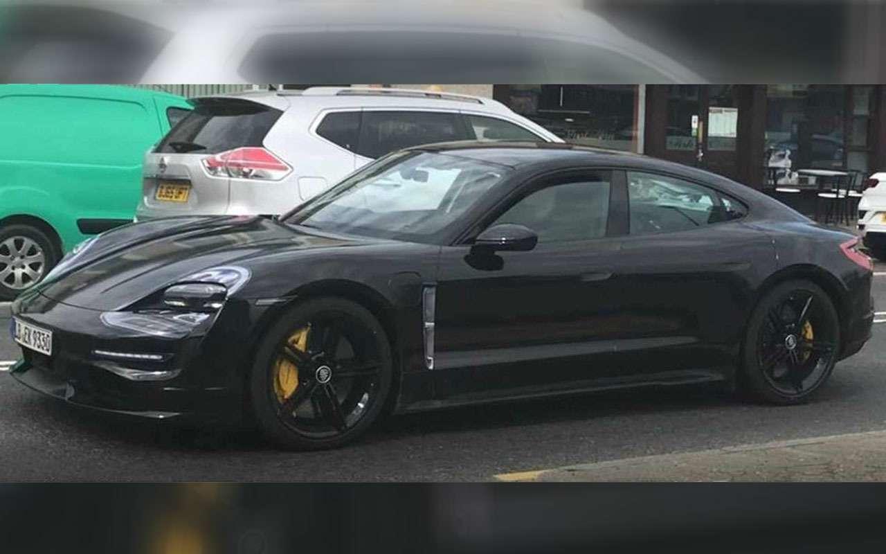 Новый Porsche Taycan: испытания подшильдиком Mercedes-Benz