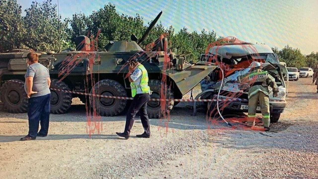 НаСтаврополье столкнулись БТР иГАЗель. Есть погибшие