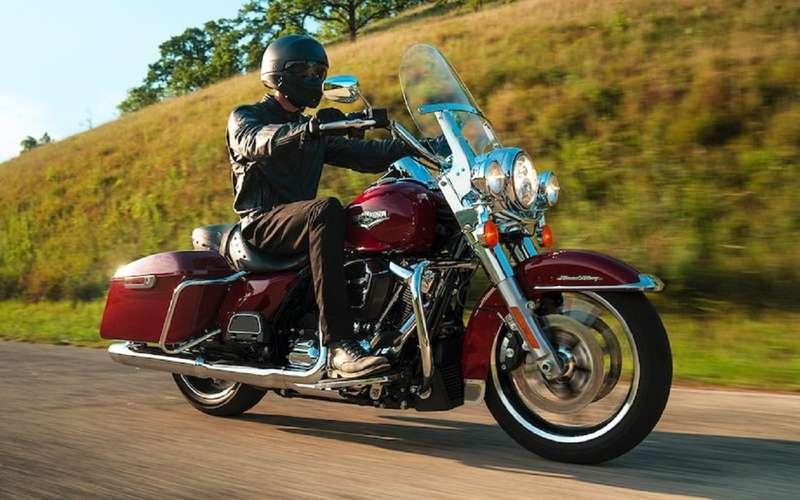 МЧСРоссии пересаживается намотоциклы Harley-Davidson