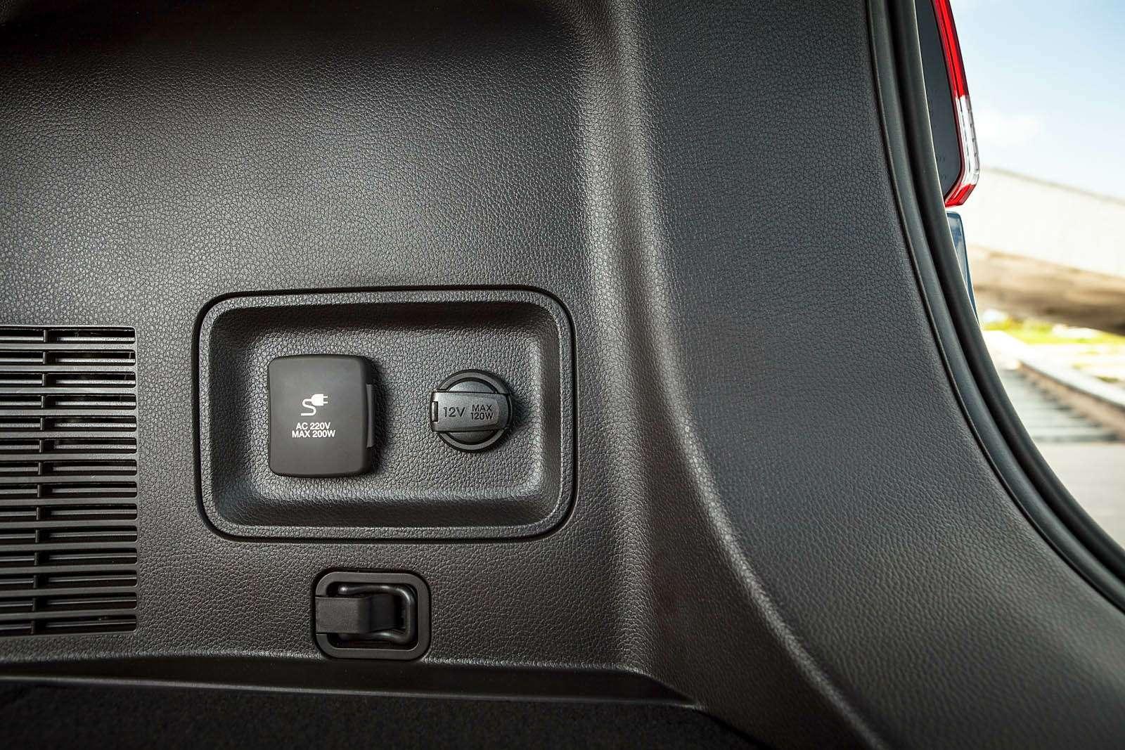 Обновленный Hyundai Grand Santa Fe: первый российский тест-драйв— фото 593811