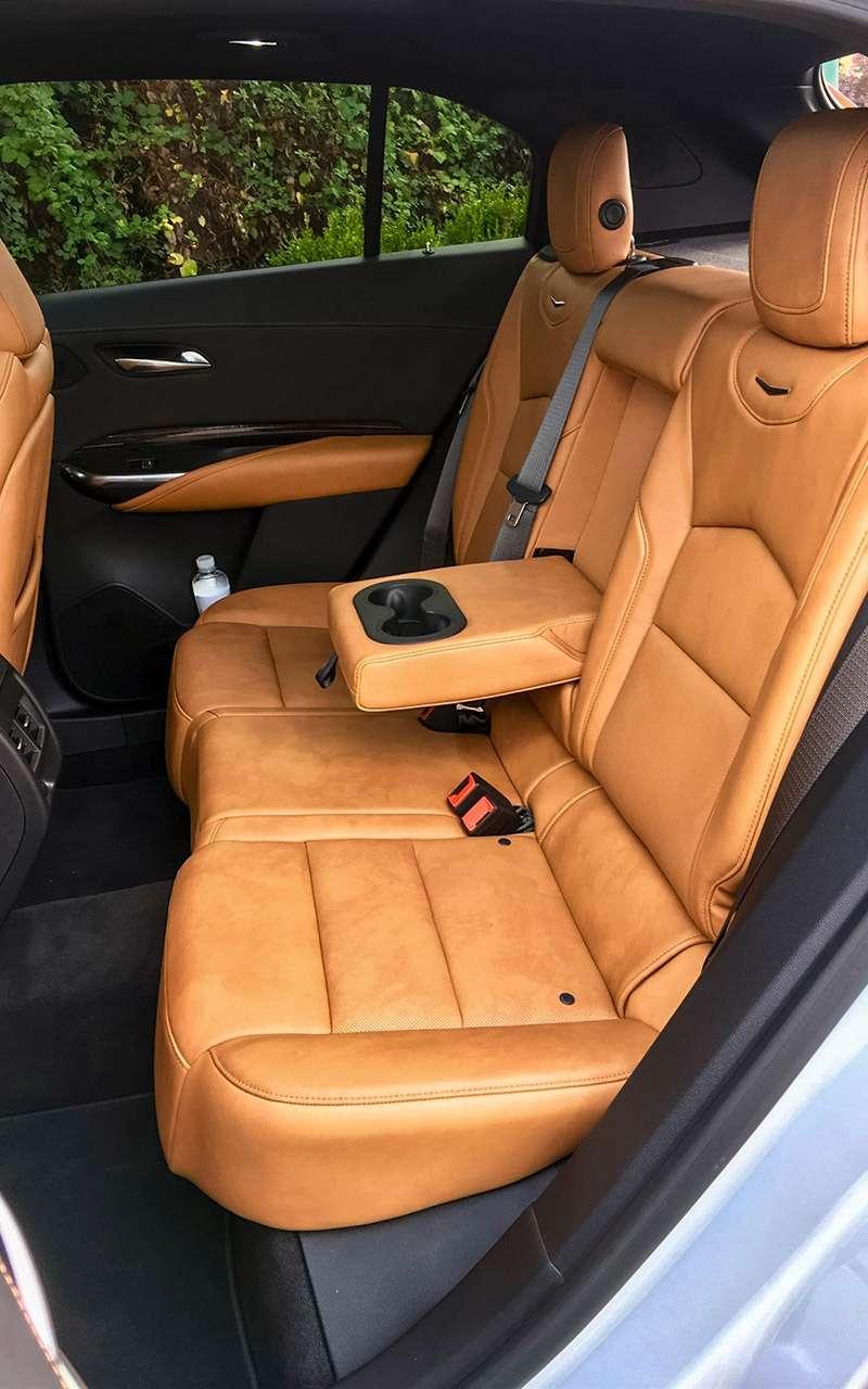 Cadillac XT4: тест-драйв без двух цилиндров— фото 924826