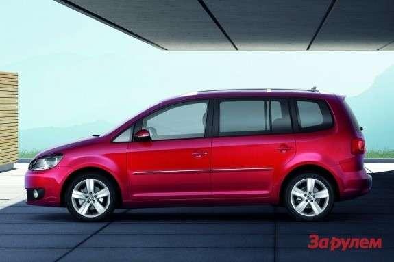 Volkswagen Touran side view