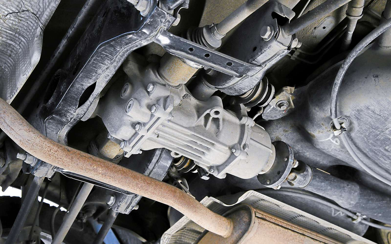 Renault Kaptur, Renault Duster, Suzuki Vitara: мода от-каптюр— фото 619990