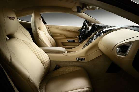 Aston Martin AM310 Vanquish inside