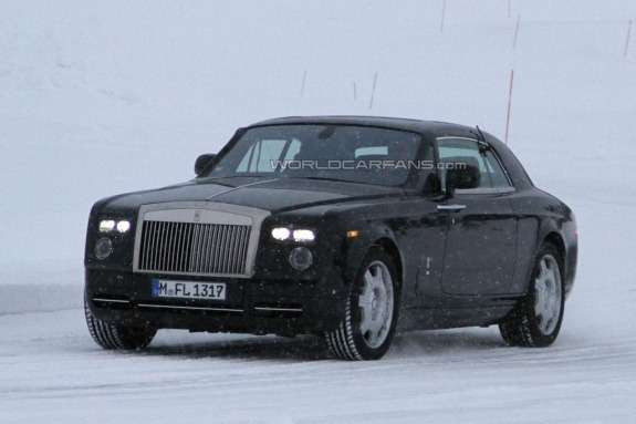 Facelifted Rolls-Royce Phantom Coupe side-front view