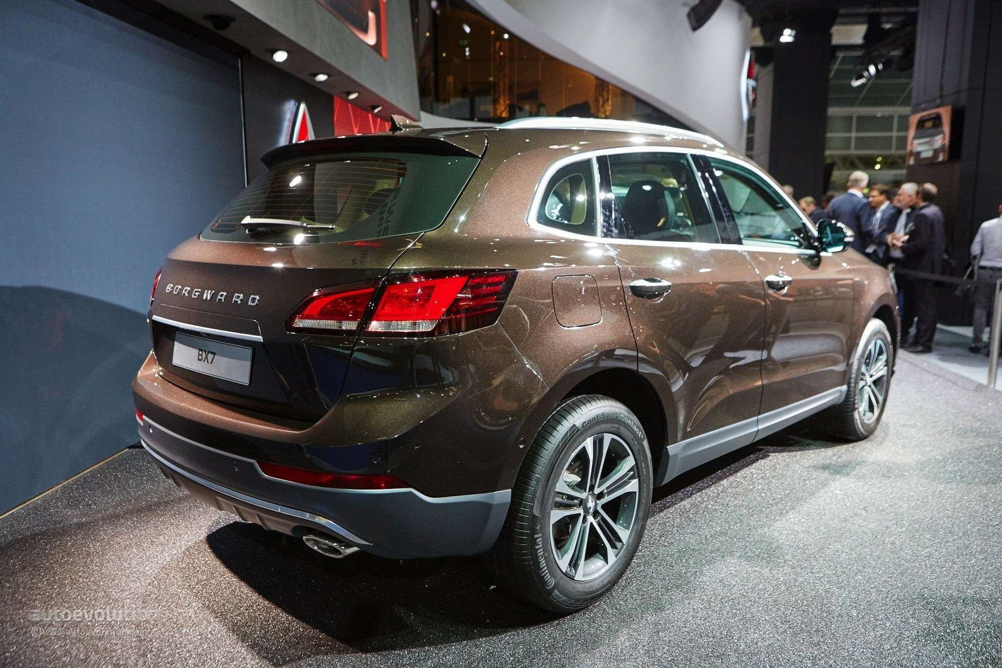 borgward-is-officially-back-with-its-bx7-suv-in-frankfurt-live-photos_16