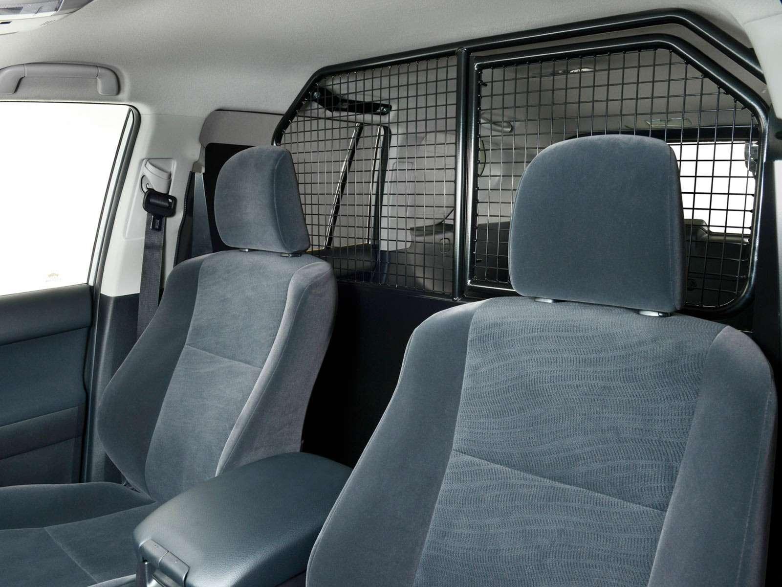 Toyota представила бюджетную версию внедорожника Land Cruiser Prado— фото 861944