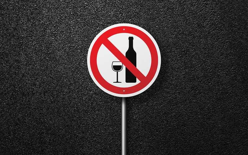 8 вкусных штук, которые опасно есть (ипить) зарулем