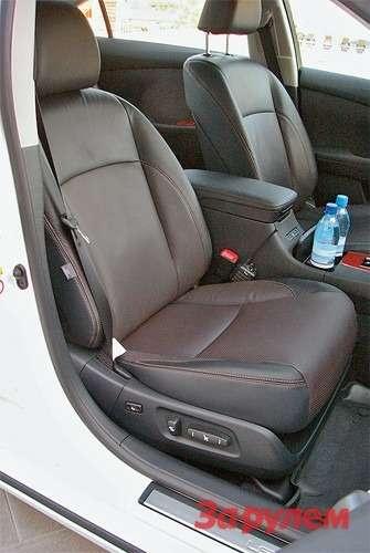 Ужевбазовом оснащении передние сиденья снабжены электроприводом регулировок спамятью настроек.
