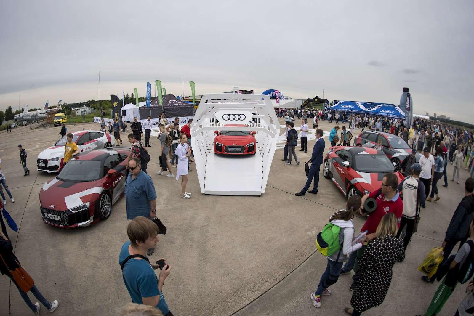МАКС-2017: премьера Audi SQ5и RS5и гонки ссамолетами— фото 777814