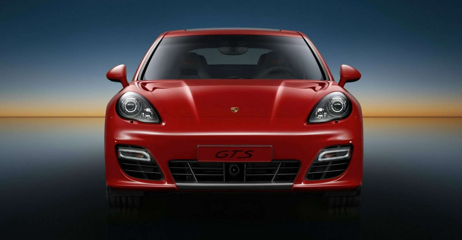 Porsche-Panamera-GTS-Carscoop15