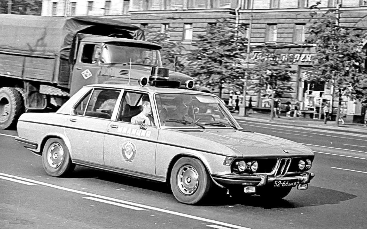 BMWпятой серии (E12)