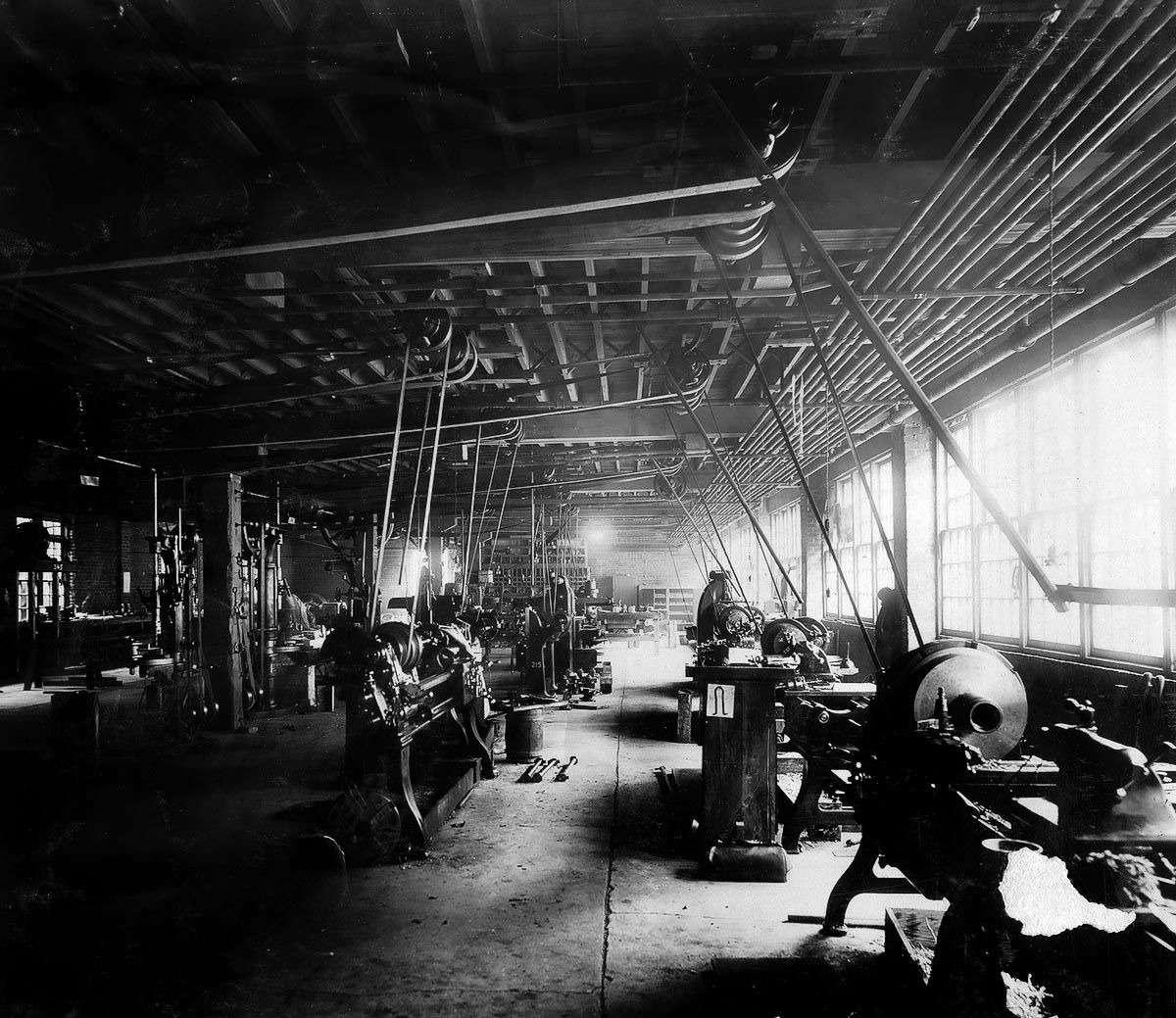 Те, кому за100: самые старые производители автомобилей— фото 589254