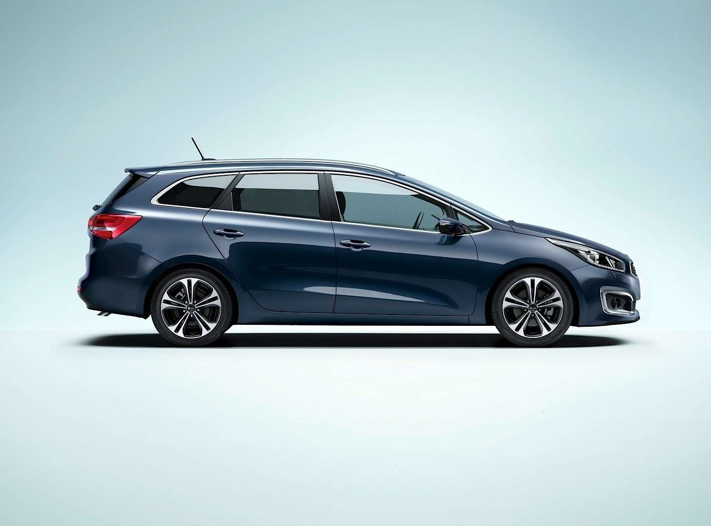 2016-kia-cee-d-brings-subtle-visual-upgrades-new-engines-and-sporty-gt-line-photo-gallery_1