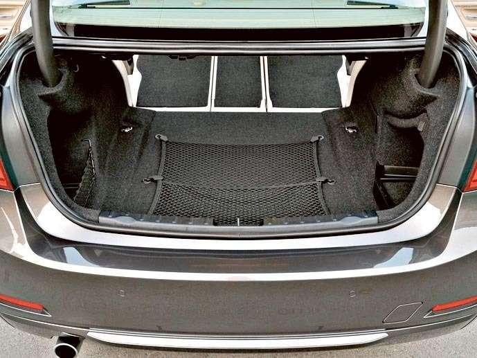 BMW-3-Series_2012r_d0